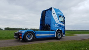 Over-transport-nieuwe-Volvo-FH500-foto-01