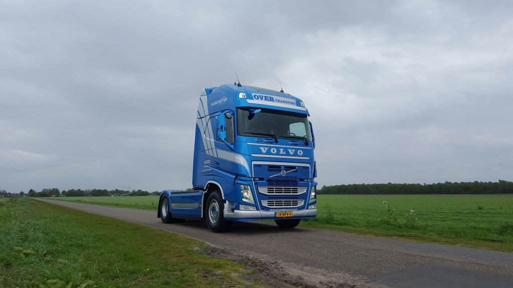 Over-transport-nieuwe-Volvo-FH500-foto-02
