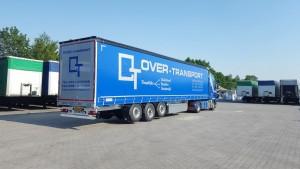 Over-transport-2-nieuwe-opleggers-binnen-01